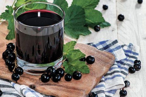 Сок из черной смородины