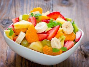 Витаминный салат из фруктов