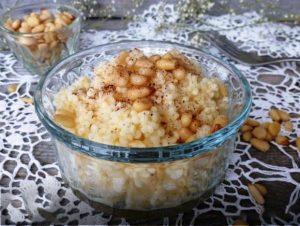 Пшеничная каша с орехами и корицей