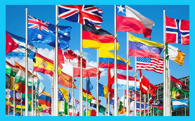 много флагов разных стран мира