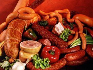 Жирное мясо и колбасы