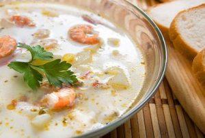 Суп из морепродуктов с сыром