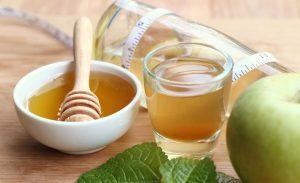 Напиток с яблочным уксусом и медом