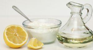 Сметана, оливковое масло и лимон