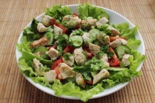 Овощной салат с индюшатиной