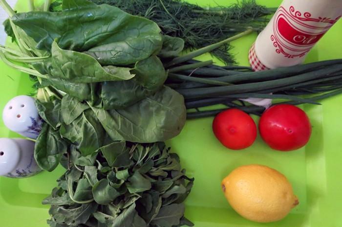 Продукты для приготовления салата из шпината