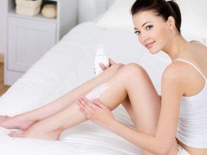 Увлажнение кремом после депиляции