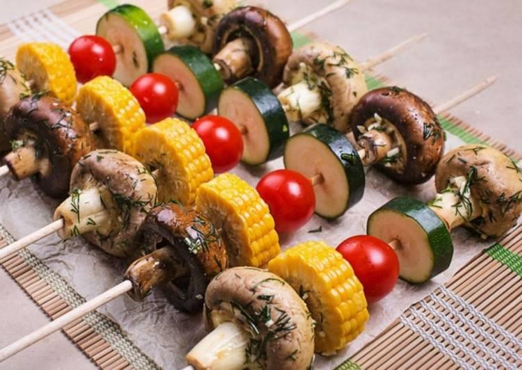Шашлык из овощей на шампурах