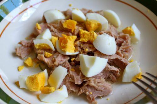Сочетание тунца и яиц
