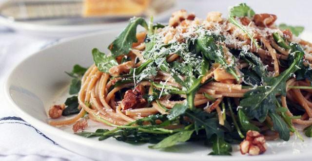 Спагетти с рукколой