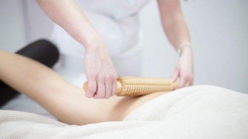Антицеллюлитный массаж скалкой