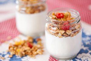 Йогурт с мюсли