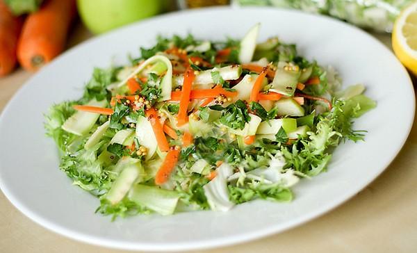 Салат из кабачков и сельдерея