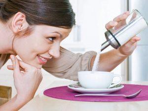 Добавление сахара в напитки