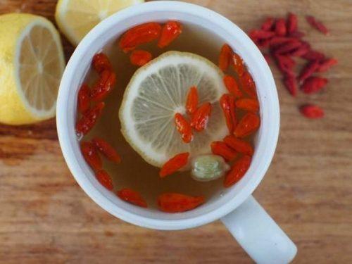 Чай с барбарисом и лимоном