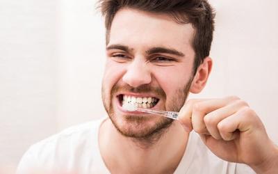 срок эксплуатации зубных имплантов