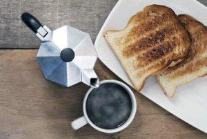 Кофе с тостами
