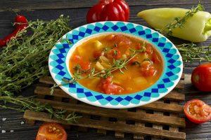 Томатный суп с болгарским перцем и тимьяном