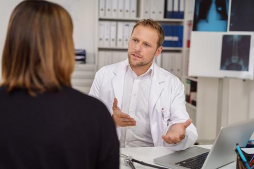 Симптомы и лечение рефлюкс-эзофагита у взрослых