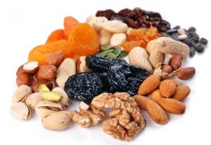 Сочетание сухофруктов с орехами