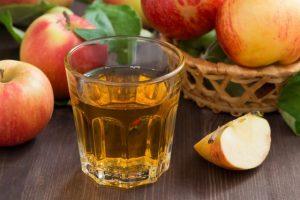 Яблочный сок при выходе из голодания