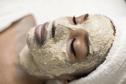 Маска с манкой для кожи лица