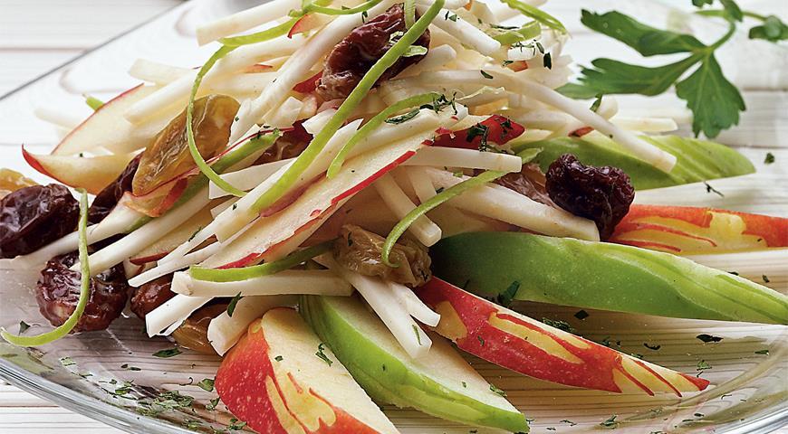 Салат из корня сельдерея и хрена с яблоками