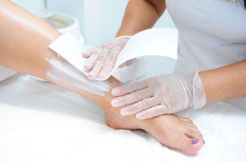 Эпиляция ног воском процедура